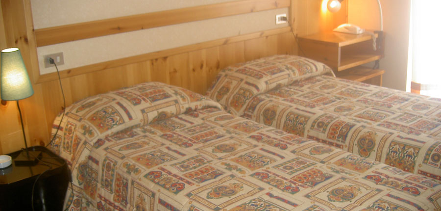 italy_gressoney_hotel_dufour_bedroom.jpg